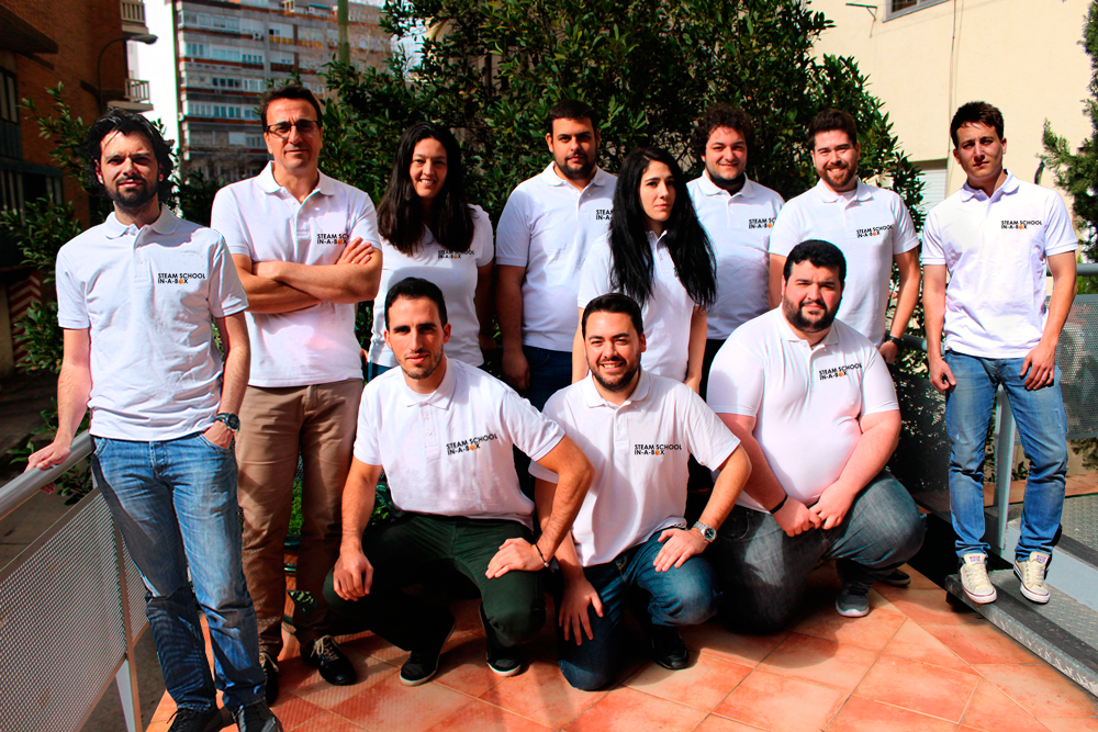 EQUIPO DE I+D STEAM SCHOOL IN-A-BOX