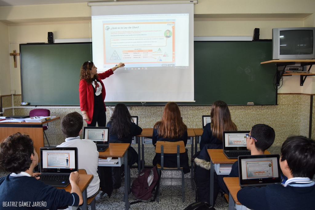 STEAM SCHOOL IN-A-BOX method at Amor de Dios school, Madrid